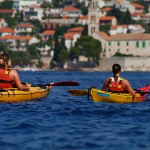 Sea kayaking to Paklinski islands