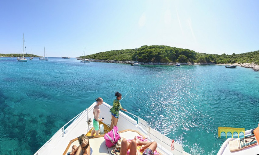 Paklinski Islands cruising